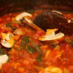 Basis tomatensaus met groente, zoals champignons