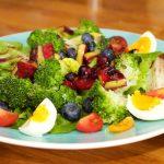 Salade met zomerse dressing van blauwe bessen 42