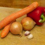 De groente voor de tomatensaus