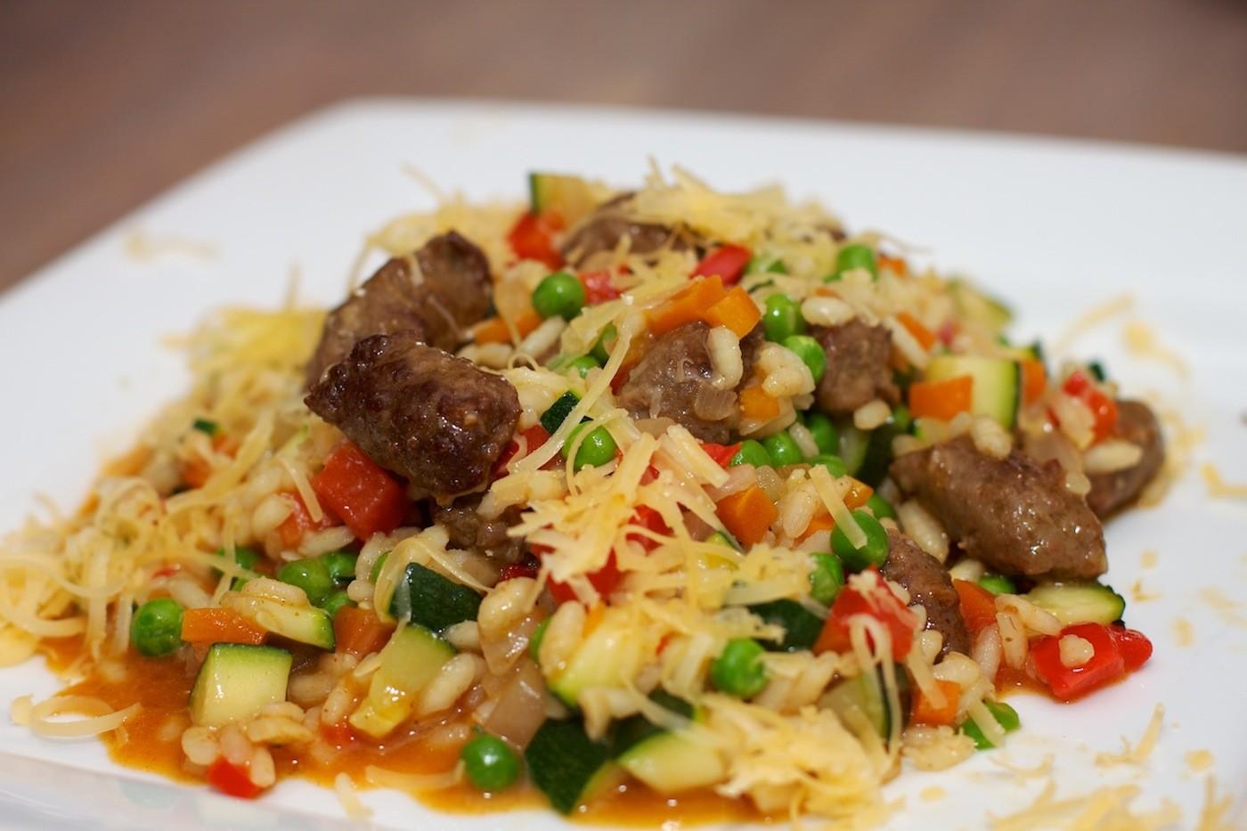 Risotto met Chipolata en veel groenten