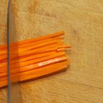 Hoe snij je een wortel julienne 6