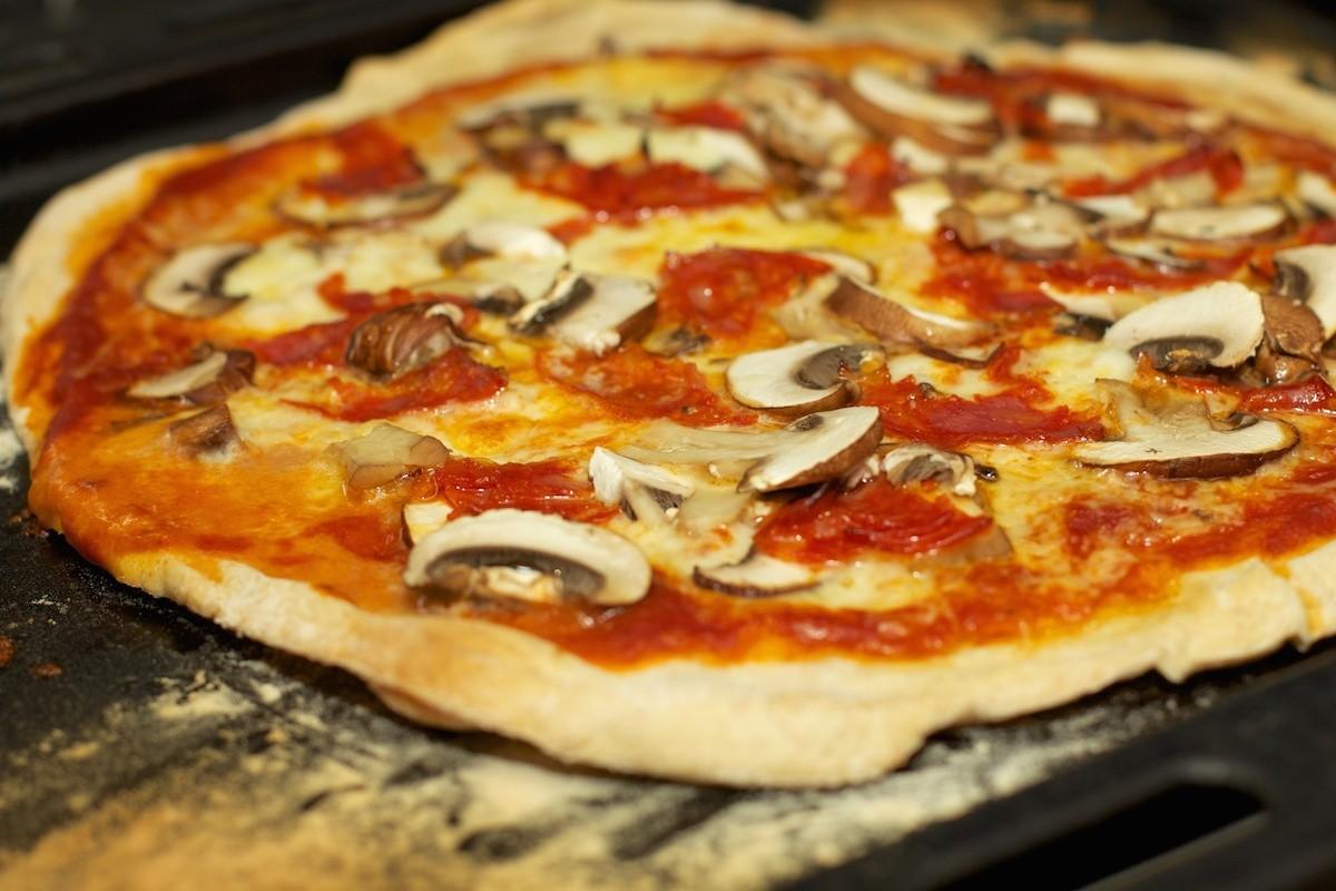 Pizza Funghi (Pizza met champignons)