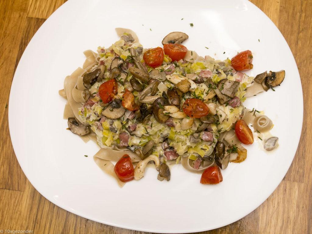 tagliatelle met spekjes en champignons