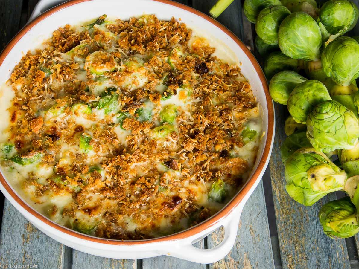 Spruiten uit de oven met parmezaanse kaas