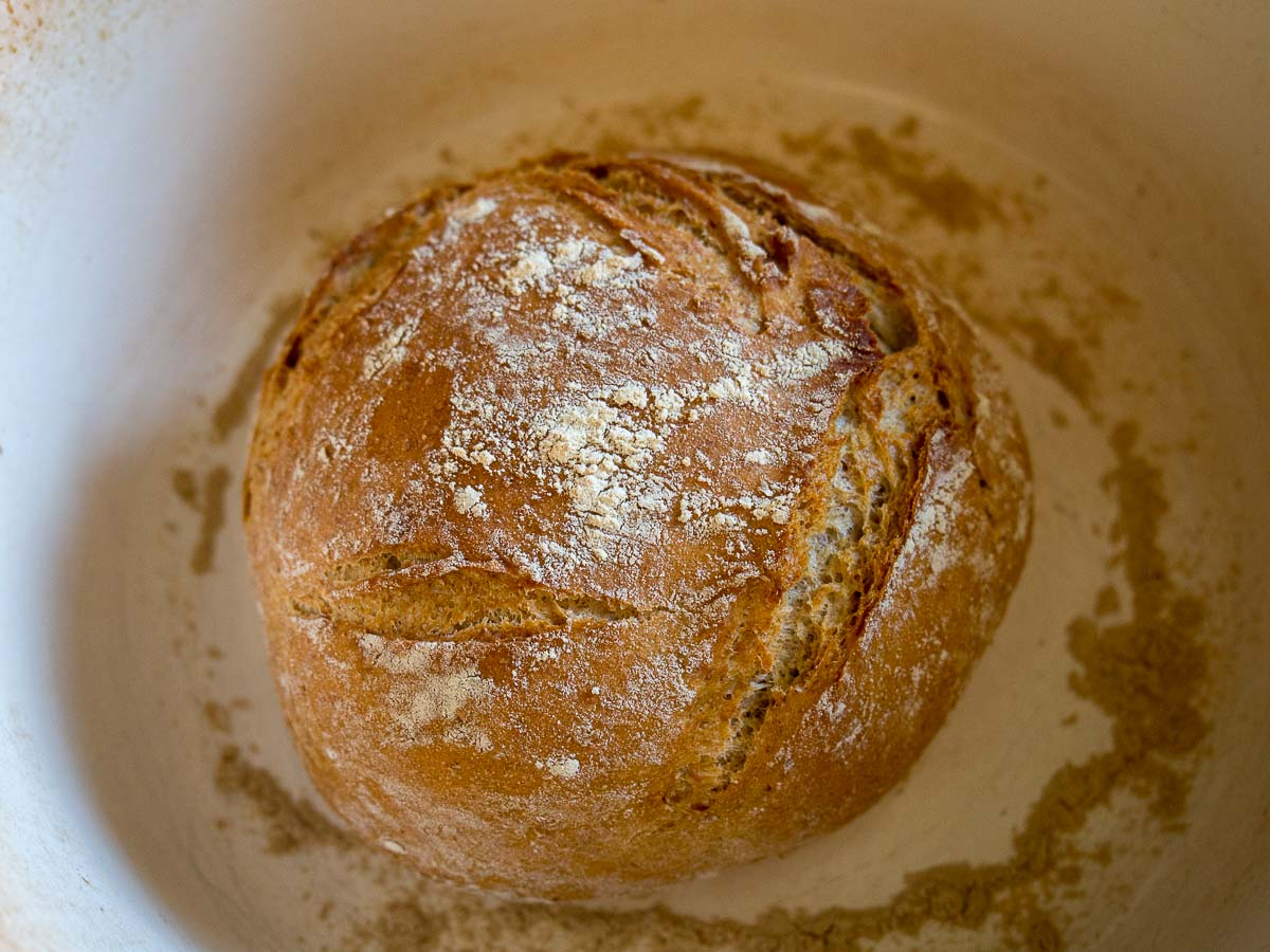 Stap 4: Bak het No Knead Bread in de pan
